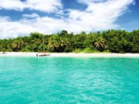 Beautiful Beaches in Panama Cayos Zapatillas