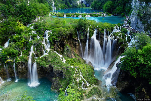 Beautiful Lakes From Around The World in Plitvice