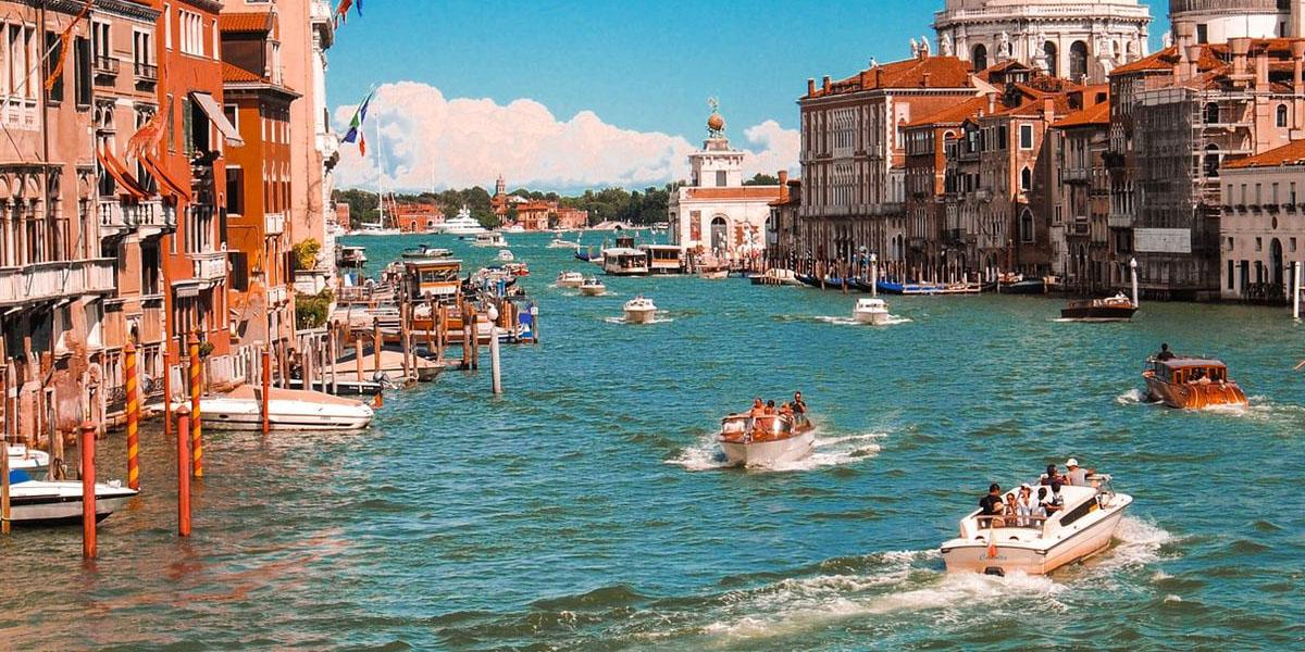Honeymoon Destinations in Venice Italy